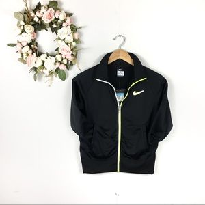 NWT Boys Nike Sportswear Windrunner Jacket